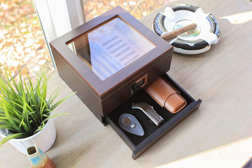 best cigar humidor with digital hygrometer