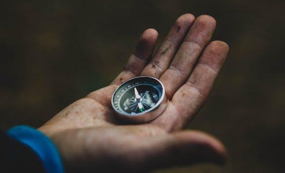 best survival compass